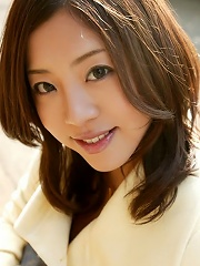 Pretty naked Yui