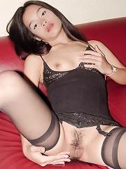 Slut Thai Fon blowjob